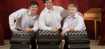 Зауральское трио баянистов в школе